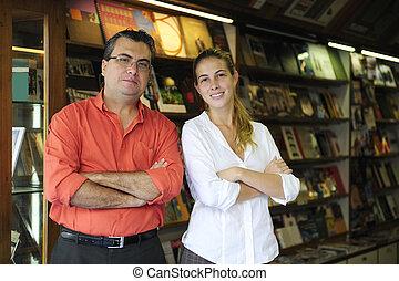 合伙人, 所有者, 家庭生意, 書店, 小