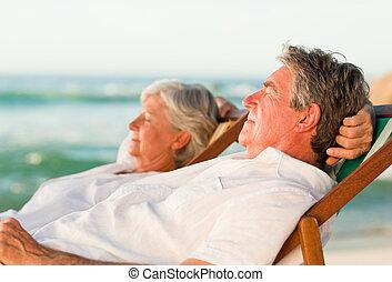 夫婦, 他們, 放松, 年長, de