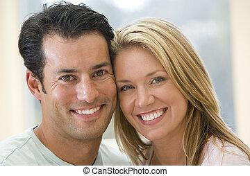 夫婦, 在室內, 微笑