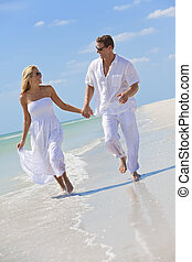 夫婦, 年輕, 熱帶, 跑, 扣留手, 海灘, 愉快