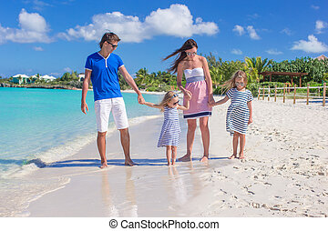 家庭假期, 四, 在期間, 海灘, 愉快