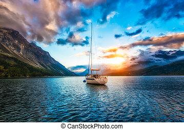 山湖, 小船