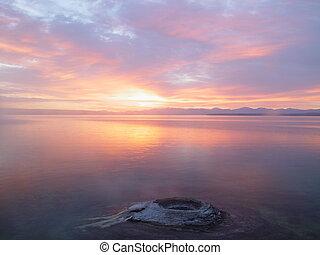 山湖, 日出