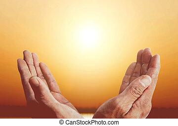 復活節, repent, 上帝, 黑色半面畫像, pray., 天主教徒, 基督教徒, 背景, 祝福, 傍晚, 頭腦, 海, 療法, 人, 打開, 概念, worships., 手, 幫助