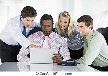 指, 膝上型, businesspeople, 四, 會議室, smilin