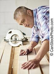 木制的支架, 使用, 木匠, 沙紙