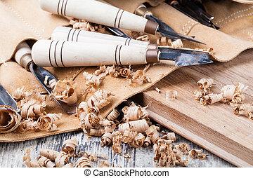 木雕刻, 工具