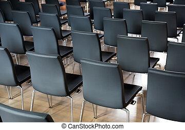 椅子, 會議大廳