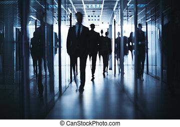 步行, 商業界人士