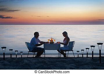 浪漫, 蜡燭, 夫婦, 分享, 年輕, 晚餐, 海, 酒, 海灘沙子, 眼鏡