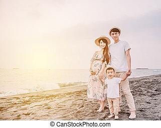 海灘, 傍晚, 家庭, 站立, 愉快, 亞洲人