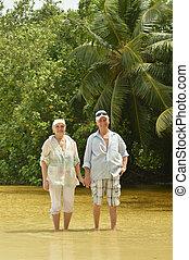 海灘, 夫婦走, 年長