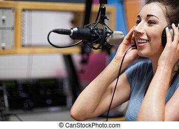 漂亮, 主人, 收音机, 講話