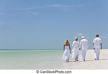 熱帶, 步行, 家庭, 人們, 手, 看法, 兩對夫婦, 前輩, 藏品, 代, 海灘, 或者, 培養, 四