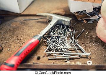特寫鏡頭, 錘子, 釘子, 工作台, 建設, 專業人員, 工具