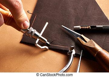 皮革, 製作, 工具