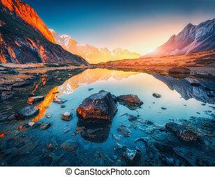 石頭, 山, 照明, 山高峰, 湖, 傍晚