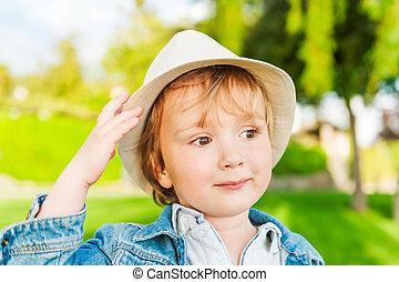 穿, 男孩, 戶外, 帽子, 陽光充足的日, 肖像, 學步的小孩, 可愛, 好