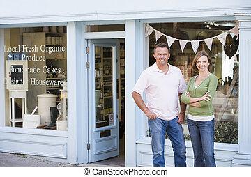 站立, 有机的食品, 夫婦, 前面, 微笑, 商店