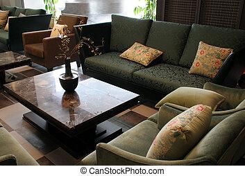美麗, 家具