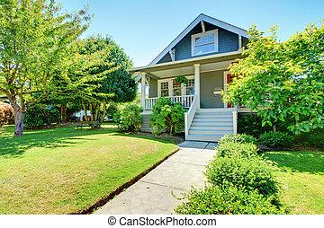 老, 房子, 灰色, 小, 美國人, 外部, staircase., 前面, 白色