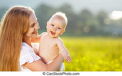自然, 擁抱, 夏天, 家庭, 嬰孩, 愉快, 母親