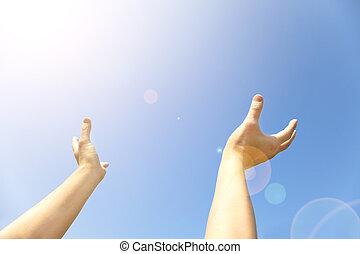 藍色, 持續, 打開, 手掌, 天空, 兩只手, 向上