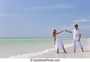 跳舞, 夫婦, 年輕, 熱帶, 扣留手, 海灘, 愉快