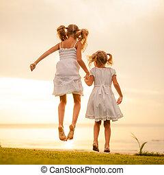 跳躍, 時間, 黎明, 海灘, 孩子, 愉快