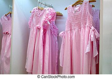 girls', 黨衣服